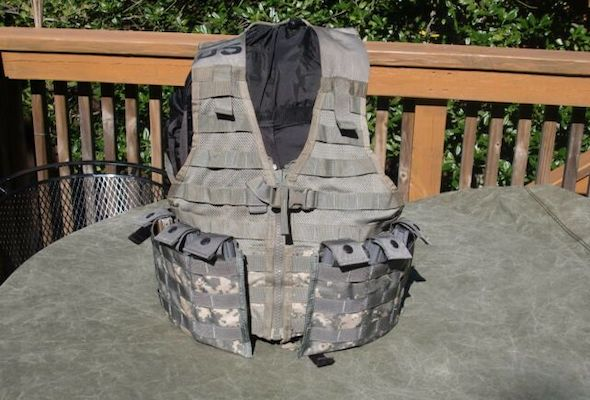 Molle Fighting Load Carrier FLC Vest Woodland Camo